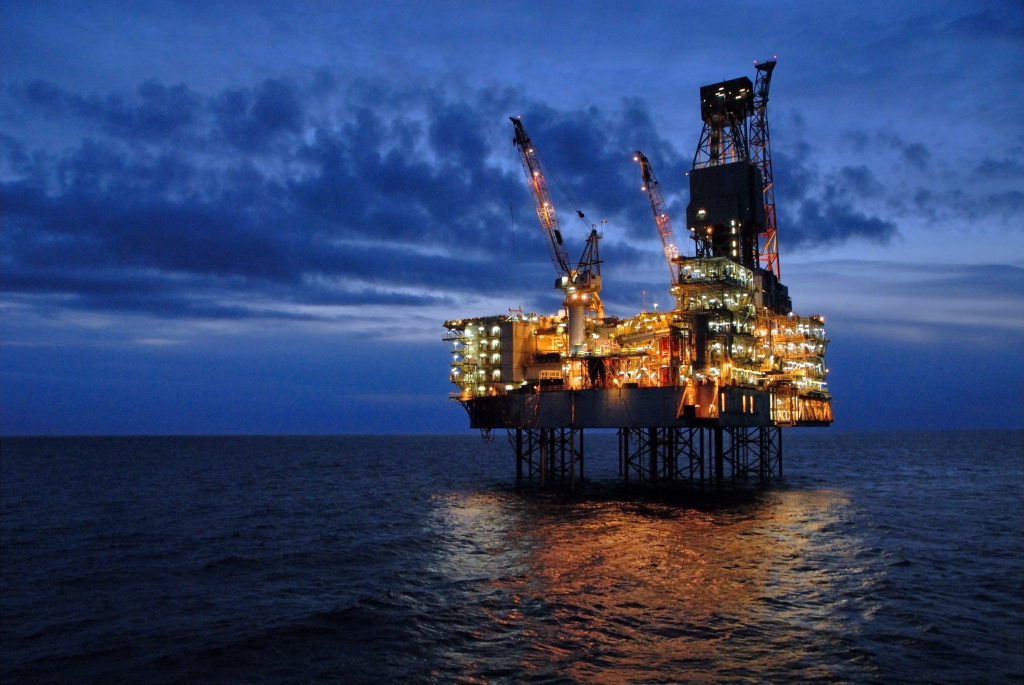 oil_platform_light_1.jpg